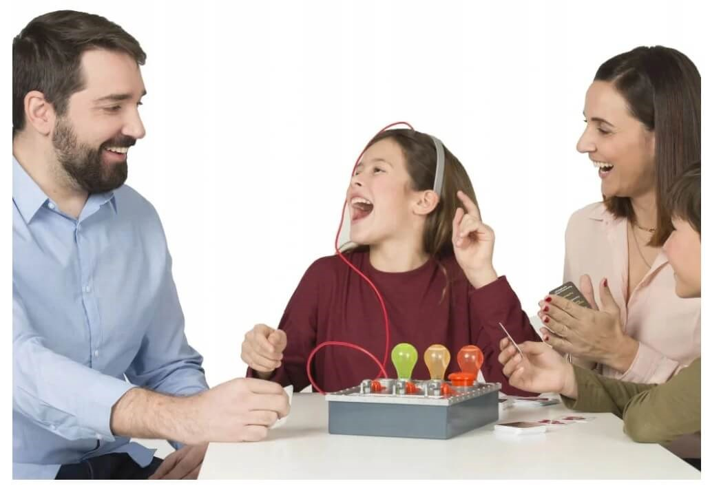 Gra dla całej rodziny - Kto Kłamie?
